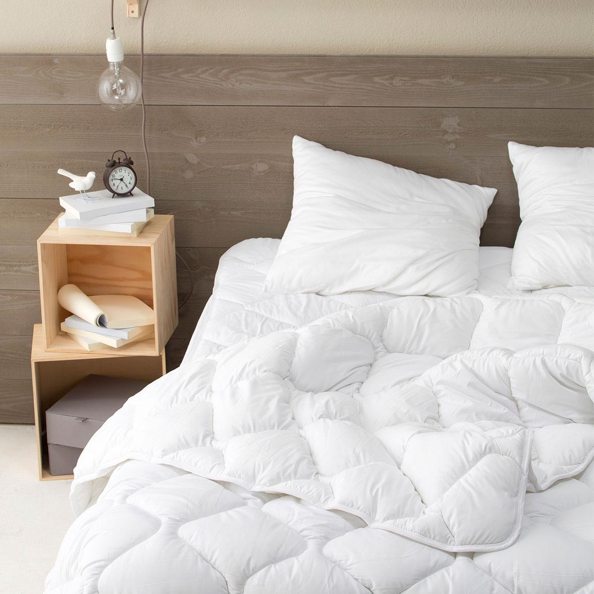 Trouvez votre couette grande taille pour lits king size standard textile - Taille couette pour matelas 180x200 ...